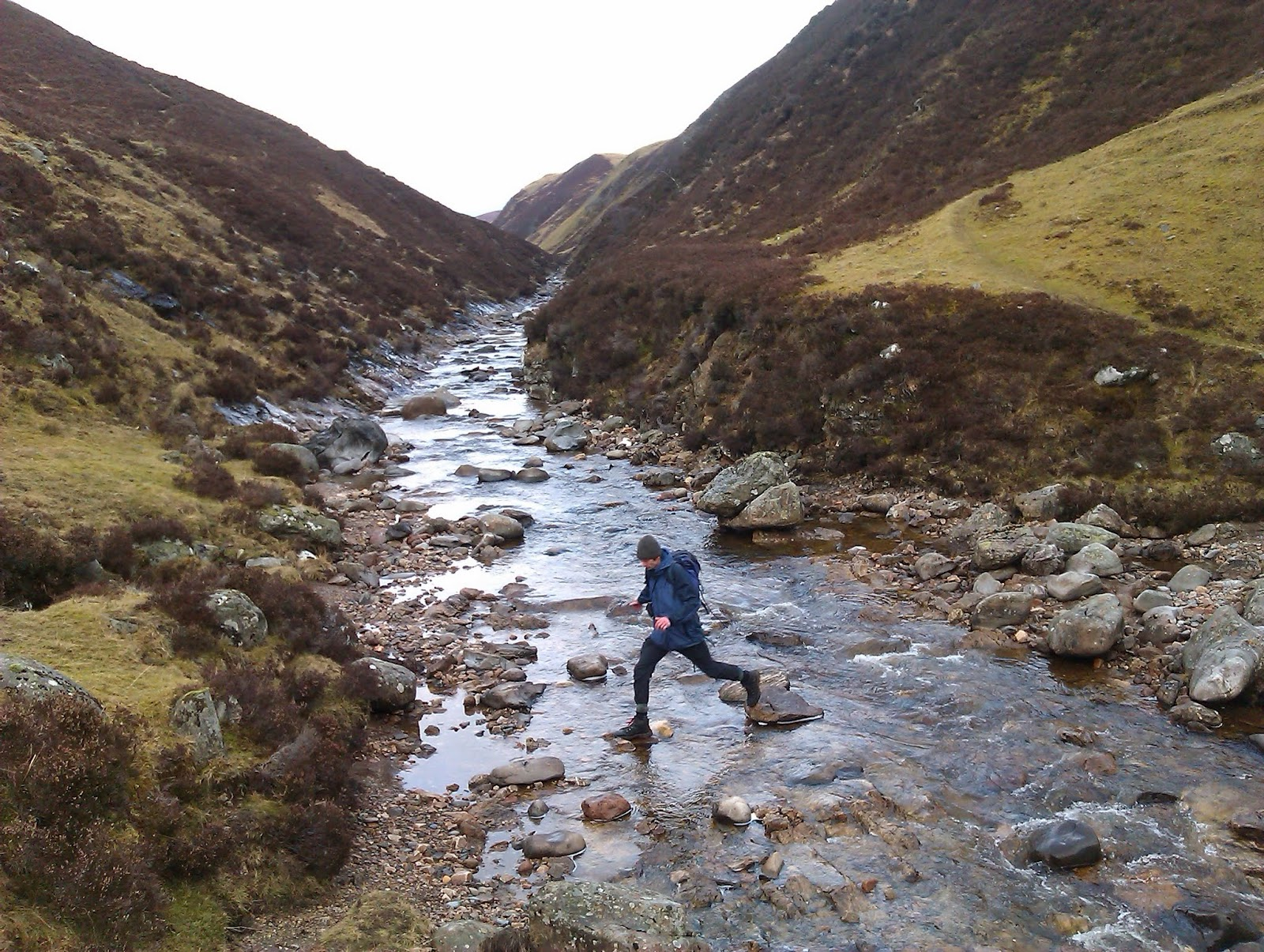 glen tilt stream crossing
